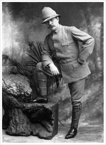 Conan Doyle in uniform as a volunteer during the Boer War