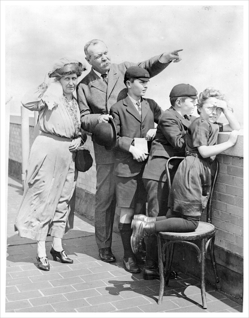 The Conan Doyle Family during a visit to New York in 1926""